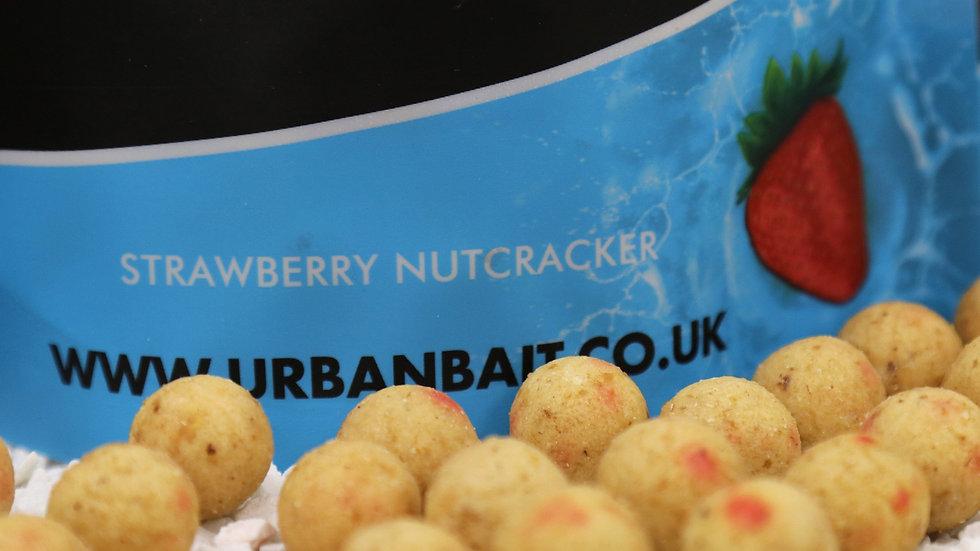 URBAN BAIT STRAWBERRY NUTCRACKER BOILIES