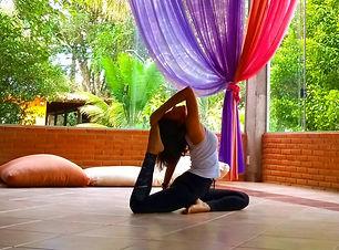 institutobh-yoga_cursos_amyoga (3).jpg