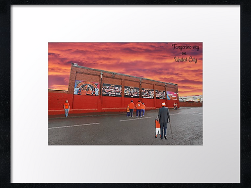 Dundee United (2) 40cm x 30cm framed print or canvas print