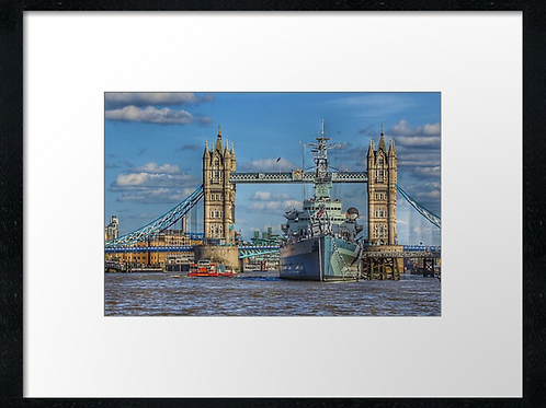 London (25) print or canvas print (example shown 40cm x 30cm framed print)