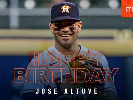Altuve's Birthday Gift To Himself Silences Yankees Stadium