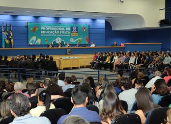 Profissionais da Educação Física são homenageados durante solenidade na Câmara