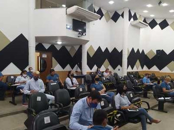 Presidente da Câmara Municipal, promove treinamento com servidores do Legislativo