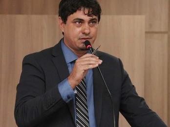 Justiça determina e vereador é reconduzido à presidência da Câmara de Água Clara