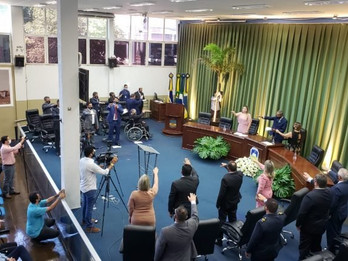 Com sessão presencial e acesso limitado, Câmara de Dourados abre trabalhos nesta segunda