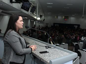 Vice-reitora da UFMS divulga o maior evento científico da América Latina que acontece na Capital