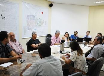 Vereadores se reúnem com Fiscais de Tributos de São Gabriel para verificar a legalidade da cobrança