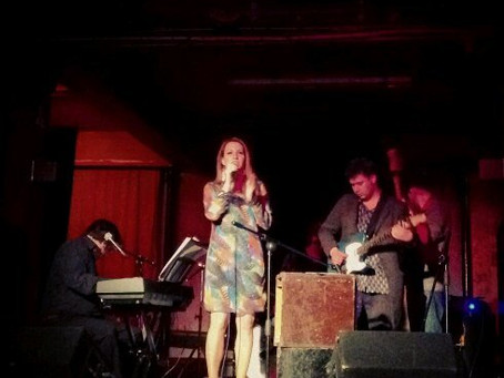 Photo: @AlexHummingson performing at @Cafe1001 in London with @danielbenisty, David Payne, RiccardoP