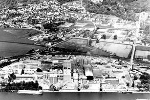 Luftbild Zementfabrik von Südwesten um 1960