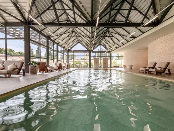 Hyatt-Regency-Chantilly-P212-Cottage-Spa-Swimming-Pool.4x3.jpg