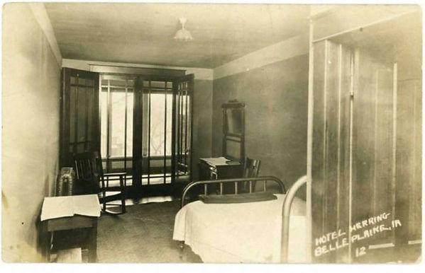 1922 room.jpg