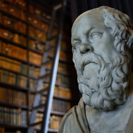 """Socrates op sneakers: """"Een boek voor dappere denkers"""""""