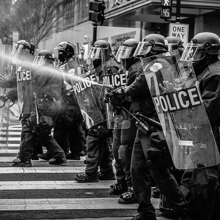 Wat de Amerikaanse politie kan leren van een conservatieve Engelsman
