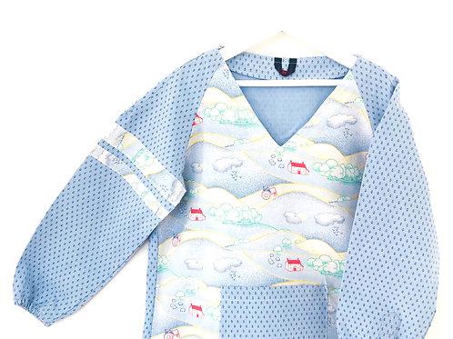 Blouse d'écolier motif village - Bleu