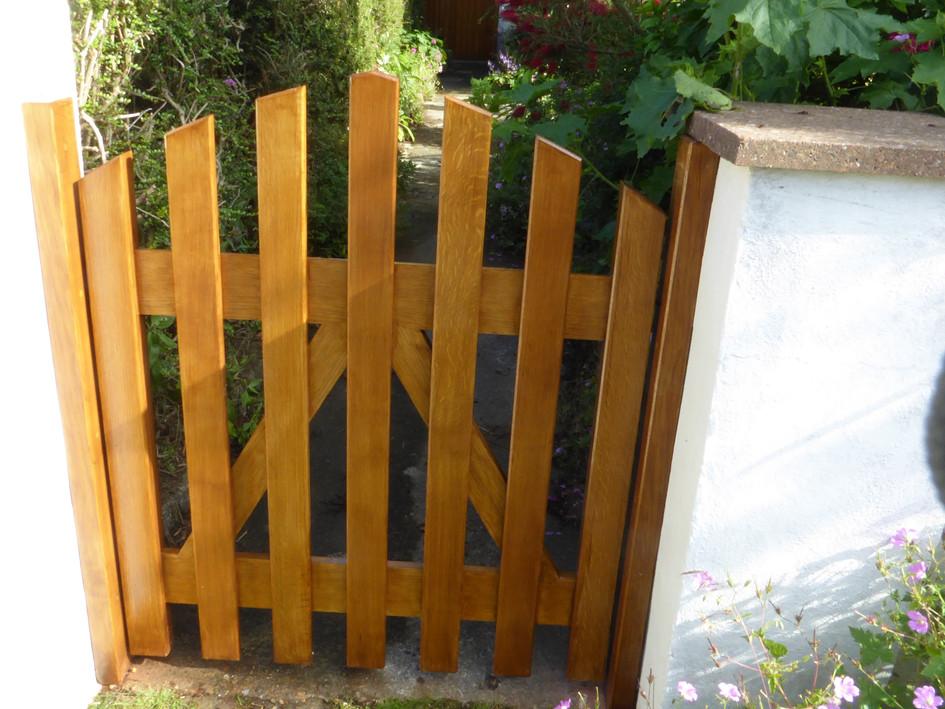 Oak entrance gate