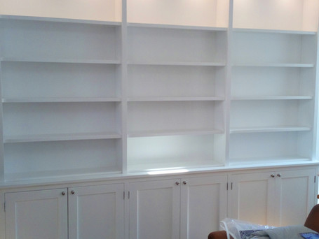 Storage unit with downlighting