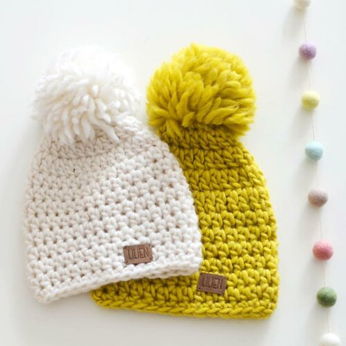 Handmade by Lilien pletená čiapka s brmbolcom 2-4r