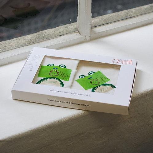 Darčekový set Žabka z organickej bavlny – deka, overal a prekvapenie