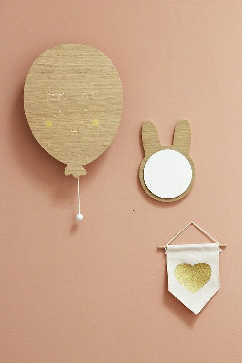 April Eleven Drevená dekorácia s melódiou balónik