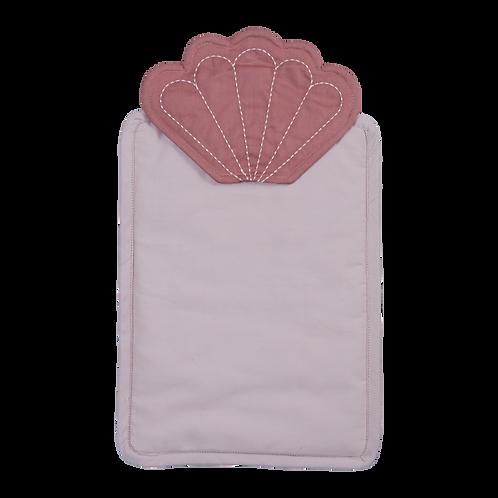Fabelab posteľné prádlo pre bábiku mušľa