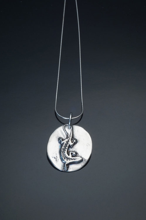 """Silver lizard necklace on 20"""" chain"""