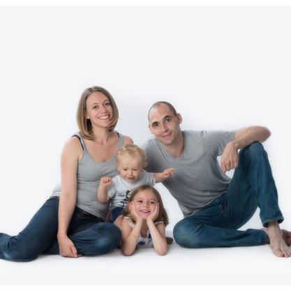 Axelle & Maxime, une séance famille débordante d'énergie