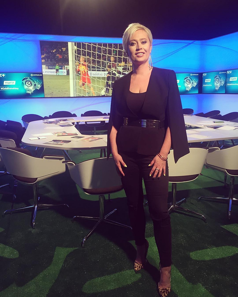 Kobieta i piłka nożna