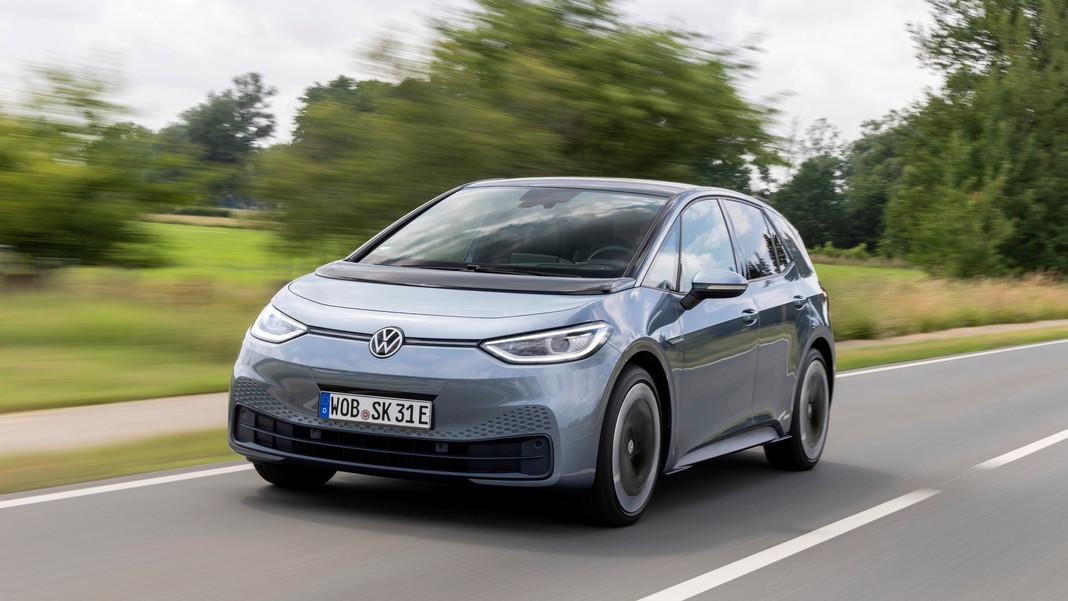 Volkswagen ID.3 bán được 70.000 xe trong năm đầu tiên trở thành mẫu xe bán chạy nhất