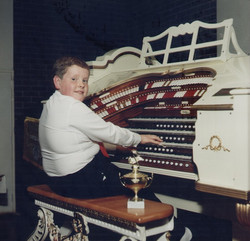 1989-00-00-YoungOrganist