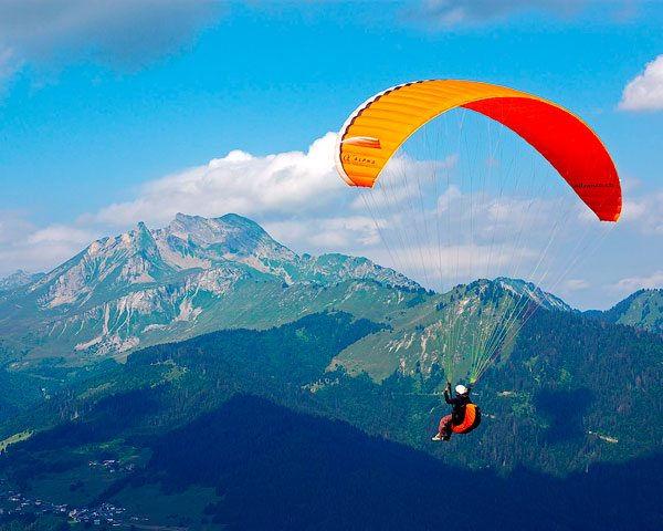 Hang Gliding: Huayllani