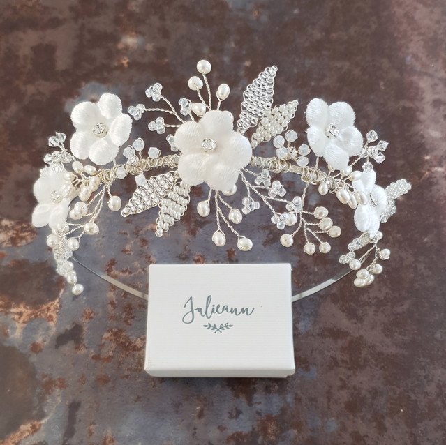 Isabella_Floral_Wedding_Tiara_Julieann_B