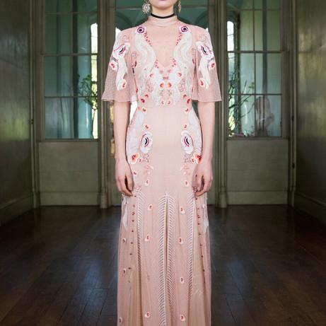 9 beautiful blush wedding gowns we're crushin' on