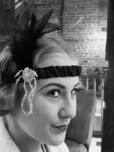 Creating the iconic swinging 20s look.jp