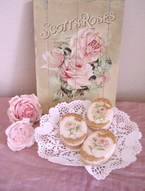 Handpainted cookie wedding favours.JPG