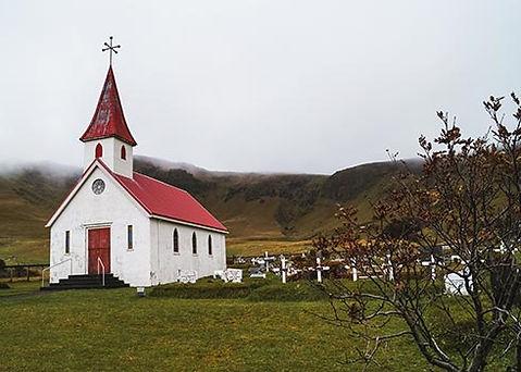 Kerkje in IJsland bij Black Beach