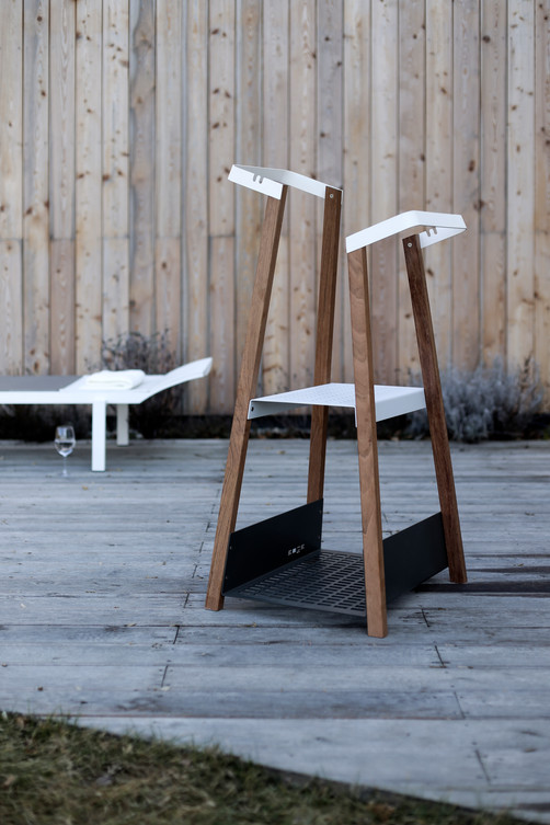 SALTO outdoor valet stand