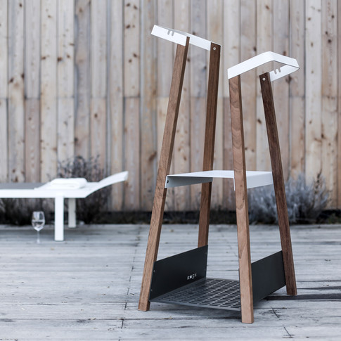 SALTO outdoor valet stand .. second piece from the collection of outdoor helpers for  the garden, pool and terrace.  This collection came from a coorperation with design cité+ studio and is intended for egoé production.  Material: stainless steel screw joints connect the steel parts to the wooden boards. The steel parts are equipped with a protective layer of zinc and powder coating.