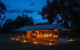 Kenya, safari, camping luxury, nice, night, candles, romantic, www.davesimpsonsafaris.com