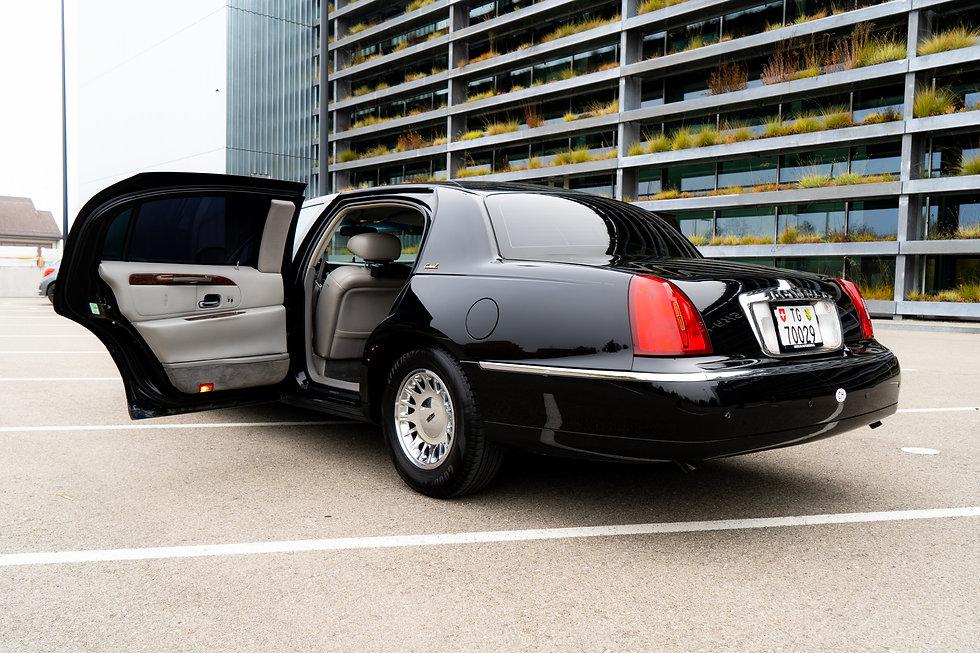 Lincoln -MFY02470.jpg