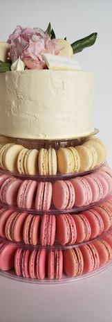 Torre de Macarons con Torta