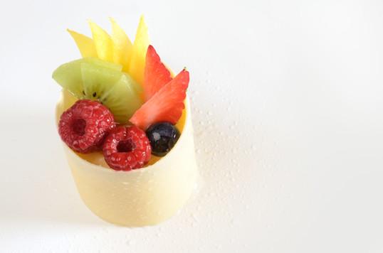 Timbal Chocolate Blanco y Frutas Frescas