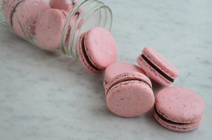 Macaron Chocolate y Frutos Rojos