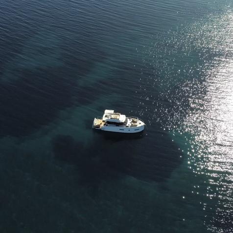 AVA  HOLIDAY Boot Charter vor Losinj