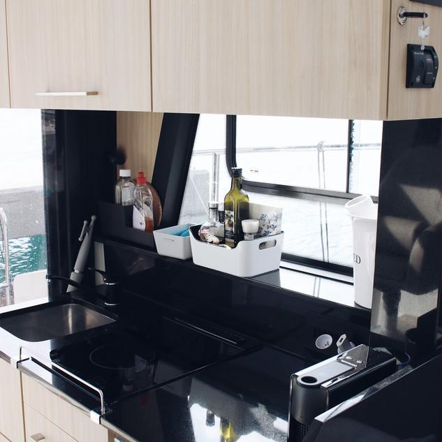 die Küche für die Zubereitung für kleine Gourmet-Essen