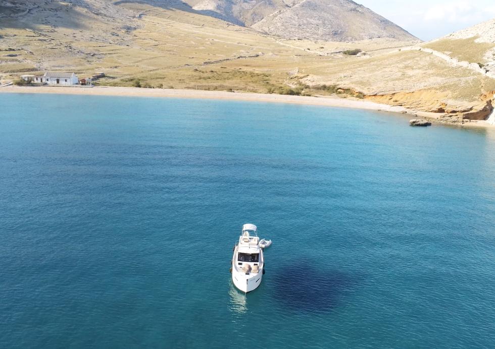 VAIA  HOLIDAY Boot Charter vor Krk  -  hier wurde schon einige Szenen on Winnetuo gedreht