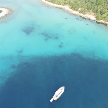 VAIA  HOLIDAY Boot Charter vor der Insel Cres