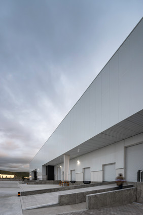 Nave Industrial- Central Arquitectura- F