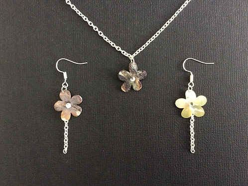 Daisy Necklace and Earrings