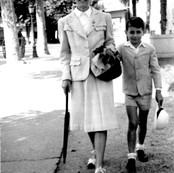 Germaine con su hijo jorge en Vichy 1942.jpg