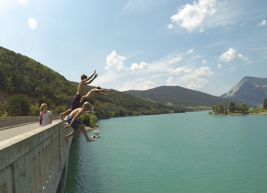 Bridge jumping in St André